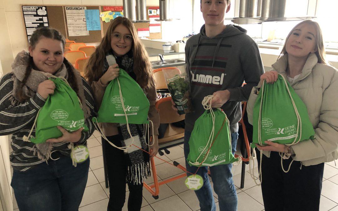 AES Schüler gehen selbstständig einkaufen